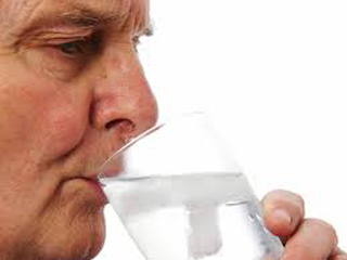 bebiendo-agua-2-0316