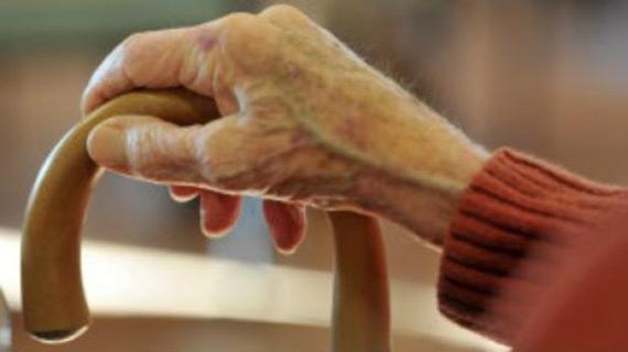 manos-ancianos-14