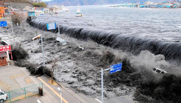 desastres-tsunami-japon-0517